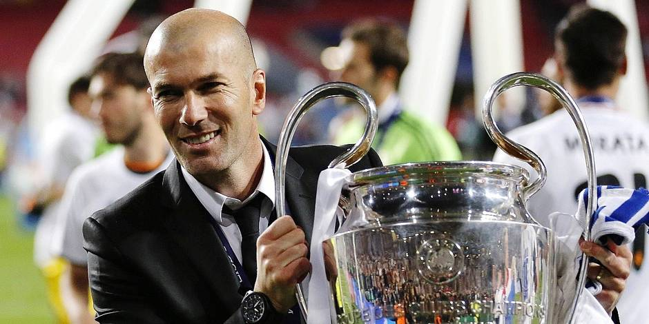 Co Trainer Sportdirektor Zinedine Zidane Real Madrid CF with the trohphy during the final of the