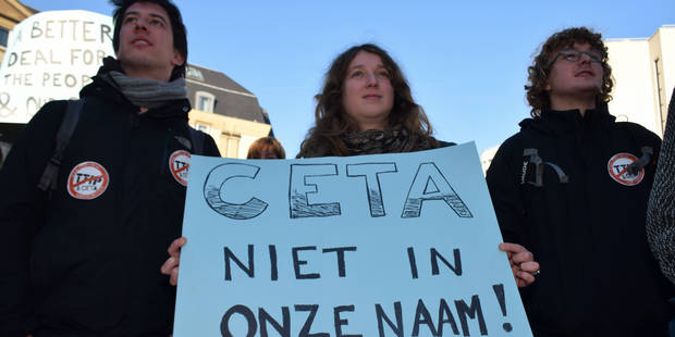 Quelque 500 personnes manifestent contre le Ceta à Bruxelles - La DH