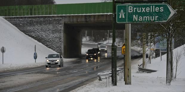 La neige tombe sur Bruxelles, des difficultés pour rejoindre la capitale - La DH