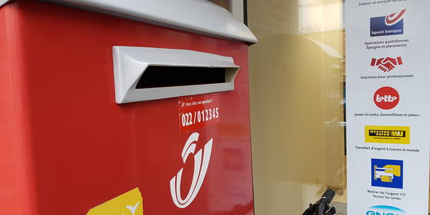 Tournai: Des individus boutent le feu à une boîte postale