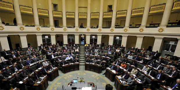 Le Parlement décide de rendre les boissons payantes mais ne limite pas la consommation d'alcool des députés - La DH