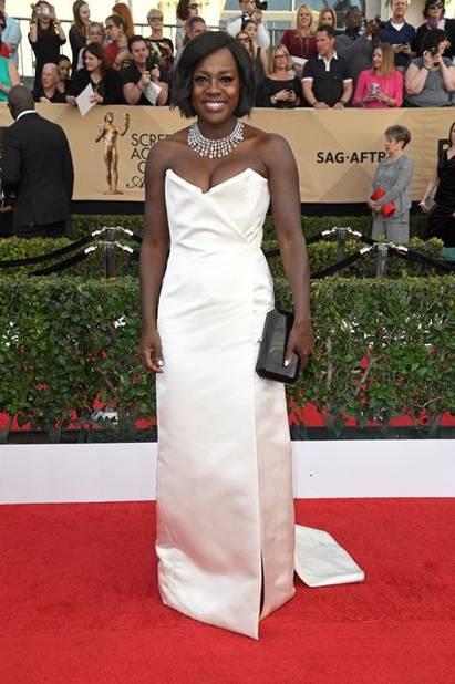 23E Cérémonie Des Screen Actors Guild Awards magnifique tapis rouge pour les sag awards qui couronnent à nouveau