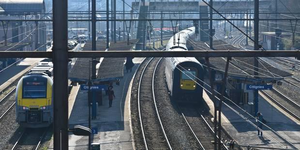 Ligne Bruxelles-Namur perturbée: pas de retour à la normale lundi soir - La DH