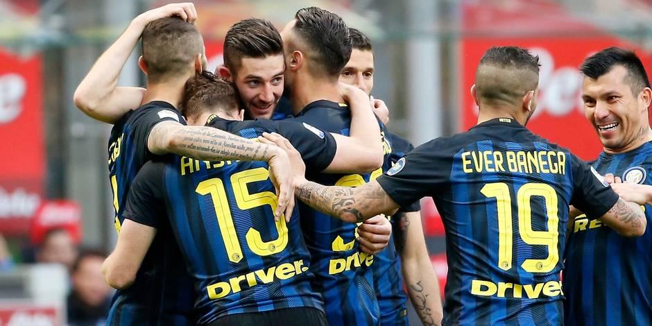 Naples surclasse Crotone, l'Inter atomise l'Atalanta