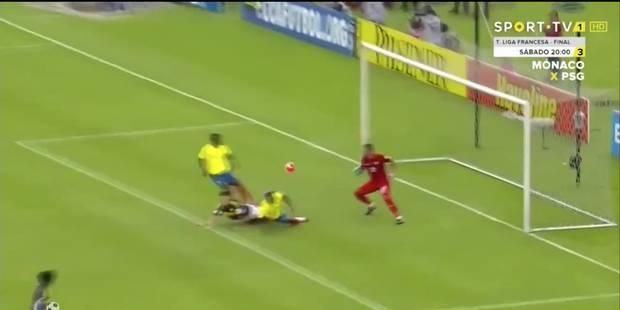 James Rodriguez marque sans savoir où est le ballon (VIDEO) - La DH