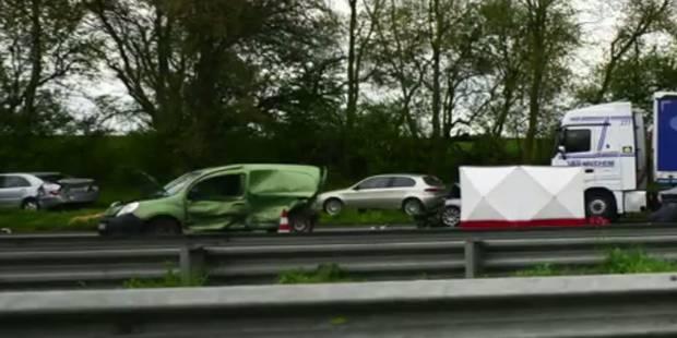 Accident spectaculaire entre un camion et 8 véhicules sur l'autoroute E19 à Nivelles: un mort, plusieurs blessés (VIDEO)...