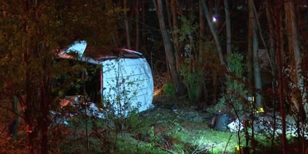Grave accident sur le ring de Bruxelles: le conducteur de la camionnette avec 14 illégaux à son bord est mineur (VIDEO) ...