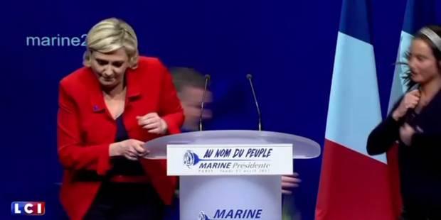 Une Femen perturbe le meeting de Le Pen et se retrouve plaquée au sol par la sécurité (VIDEO) - La DH