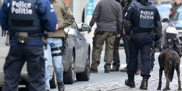 Perquisition trop violente à Schaerbeek? Huit policiers en justice - La DH