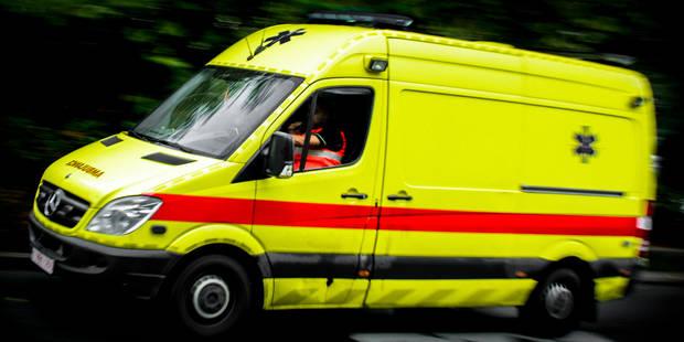Accident de tram devant Dockx Bruxelles : un cycliste grièvement blessé - La DH
