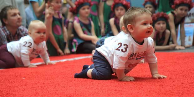 Arrêtez tout: il existe une course de bébé qui rampent en Lituanie (PHOTOS) - La DH