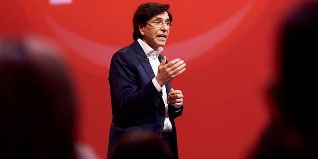 Elio Di Rupo annonce un congrès statutaire sur le décumul le 2 juillet - La DH