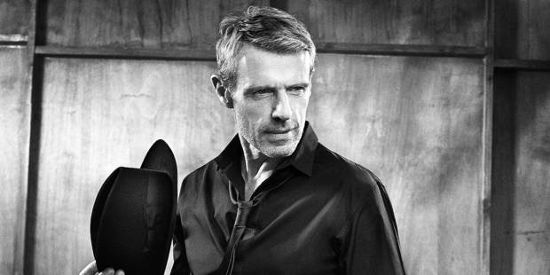 """Lambert Wilson rend hommage à Yves Montand: """"On raconte la vie d'un homme"""" - La DH"""