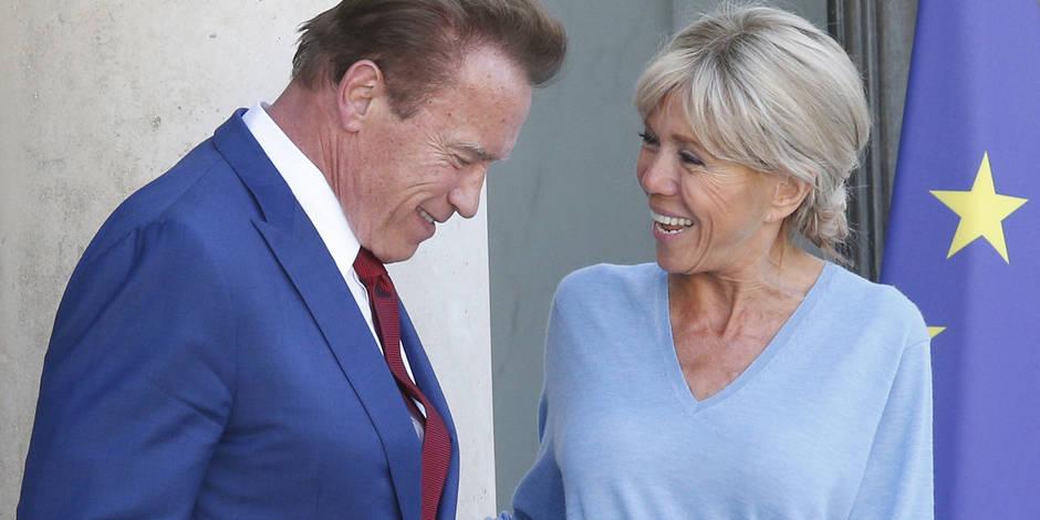 """""""Terminator"""" sous le charme de Brigitte Macron qui l'accueille en jean"""