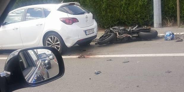Jemappes: un motard se fracture la jambe suite à une collision - La DH