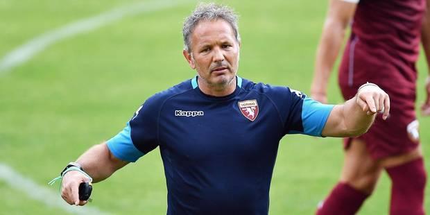 Le coach du Torino nettoie la lucarne de son gardien à l'entrainement (VIDEO) - La DH
