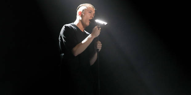 """Samedi soir, sur TF1, Loïc Nottet a épaté tout le monde avec sa reprise de """"Le monde est stone"""" (VIDEO) - La DH"""