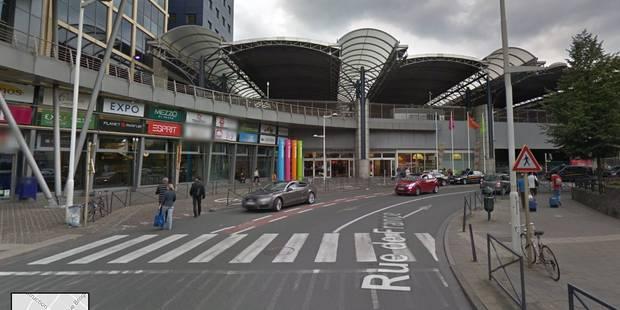 """Un chauffeur de bus vers l'aéroport de Charleroi """"tasé"""" dans l'oeil par ses concurrents à Bruxelles-Midi - La DH"""