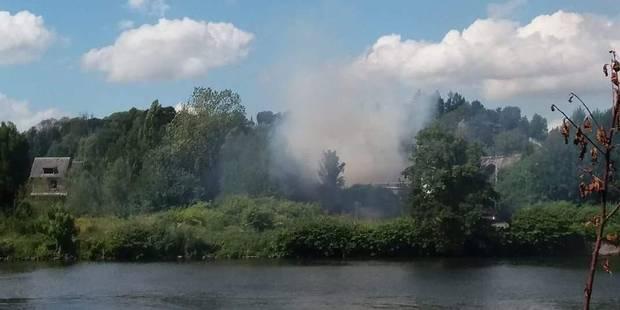 Un incendie se déclare dans un hangar à Huy - La DH