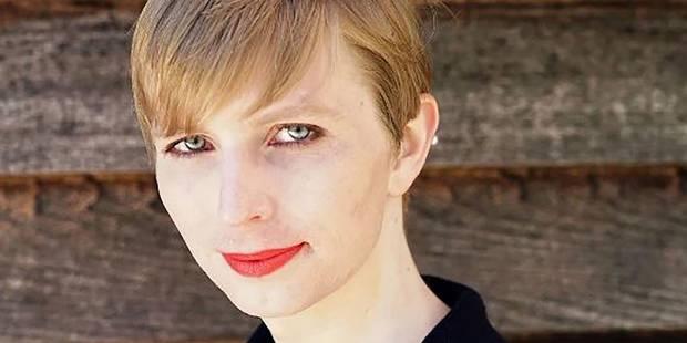 Chelsea Manning célèbre sa liberté en maillot de bain dans le Vogue - La DH