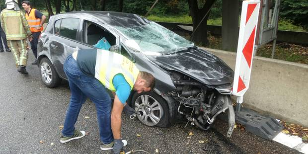 Marcinelle: une femme enceinte fait des tonneaux avec sa voiture - La DH