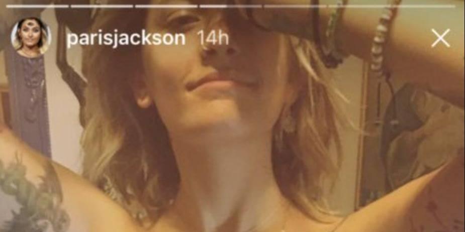 Paris Jackson, topless pour un tatouage