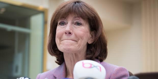 """En larmes, Laurette Onkelinx annonce son départ de la vie politique : """"J'ai envie d'autre chose"""" (VIDEO) - La DH"""