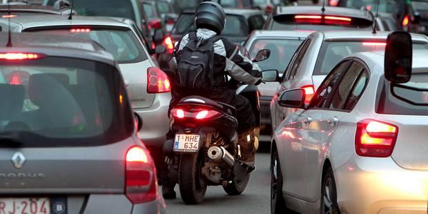 Énormes bouchons sur la E40: Une heure et demie de files vers Bruxelles après un accident - La DH