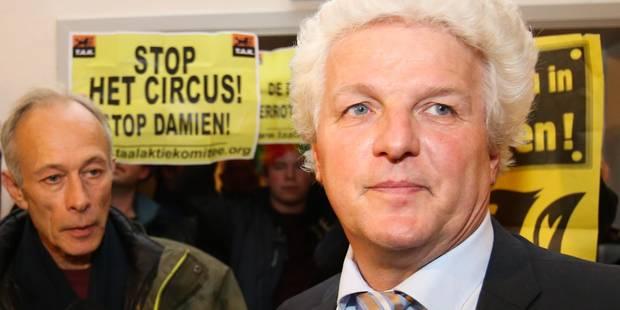 Linkebeek: action de militants du TAK et du Voorpost, expulsés de la salle du conseil communal - La DH