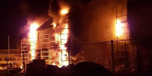 Hensies: quatre maisons en construction ravagées par les flammes - La DH