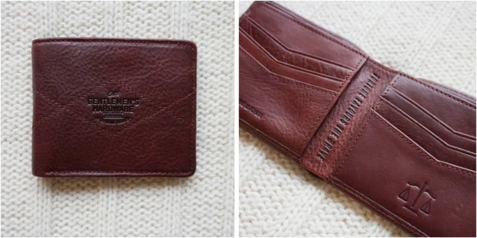 Un classique indispensable à tous les hommes. Ce beau portefeuille en cuir marron un brin vintage devrait convenir à tous les styles et à tous les âges.  Portefeuille en cuir. The Gentlemen's Hardware. 49 euros.