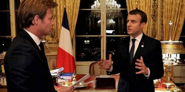 """""""Laissez Michel Drucker faire ce travail"""": l'entretien entre Macron et Delahousse a énervé des journalistes - La DH"""