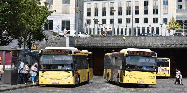 Liège : Suspecté d'avoir extorqué une banque, il s'endort armé, dans un bus - La DH
