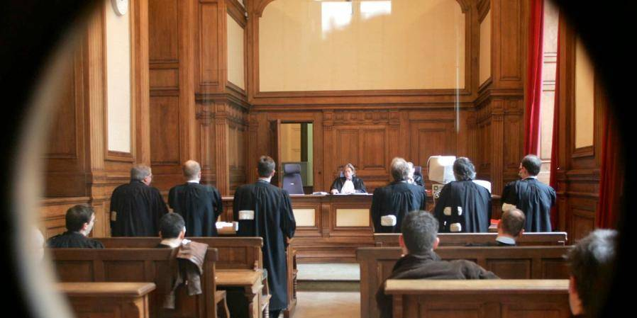 Tribunal: 15 mois de prison requis contre une avocate de Péronnes