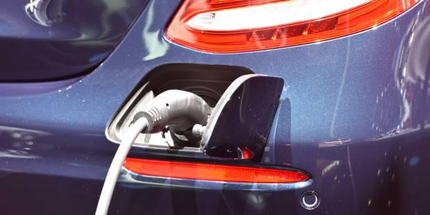 Une députée européenne sp.a réclame des bornes de recharge pour voitures électriques dans les stations services - La DH