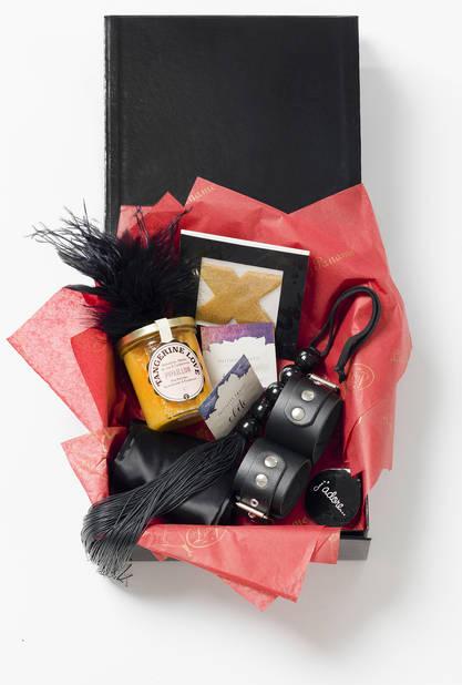 Etonnez-le en amenant carrément une giftbox concoctée par Lady Paname.                                                                                                    www.ladypaname.love