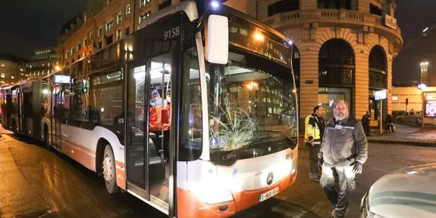 Un bus de la Stib fauche sept piétons: une manoeuvre d'évitement sans doute en cause - La DH