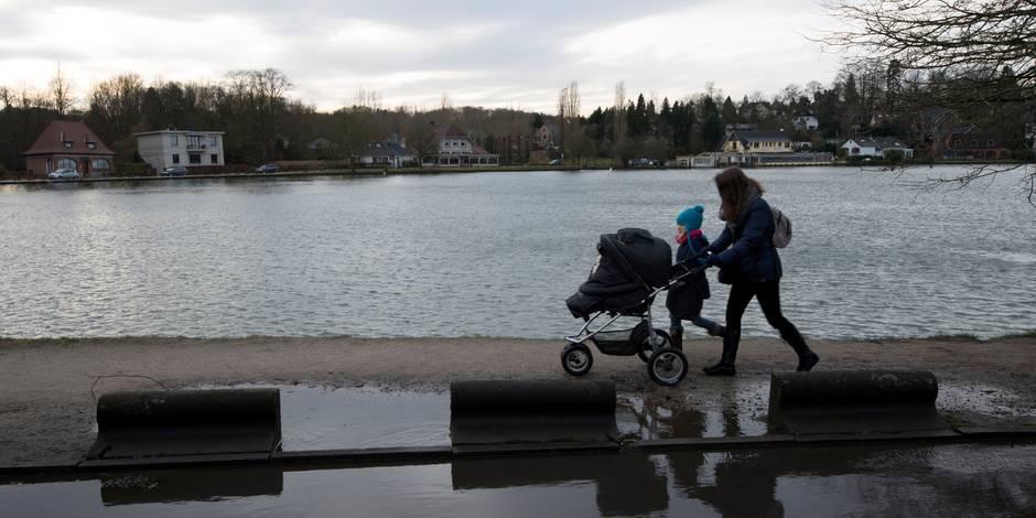 Patiner sur le lac de Genval: interdit côté wallon, toléré côté flamand! - La DH