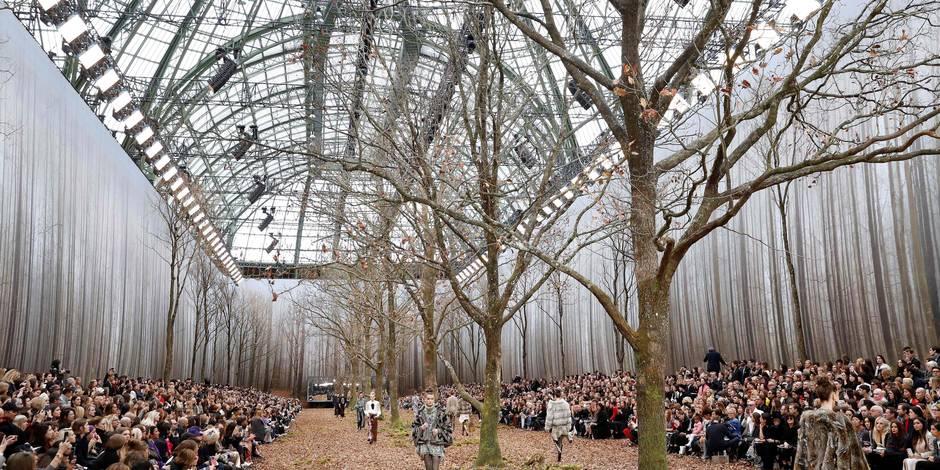 Accusée d'avoir coupé des arbres son défilé, la marque Chanel réagit