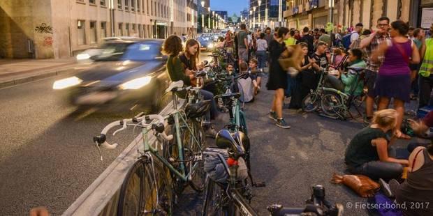 Une pétition des cyclistes pour le réaménagement de la rue de la Loi - La DH