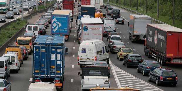 Le ring intérieur de Bruxelles encombré à la suite d'un accident à Dilbeek - La DH