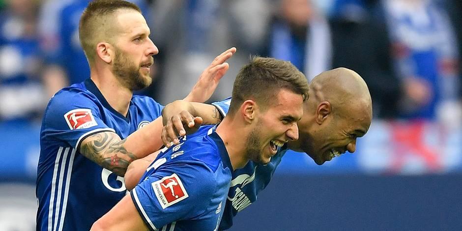 Schalke bat Dortmund et consolide sa deuxième position