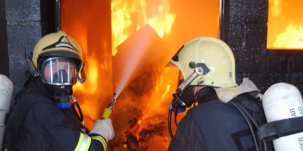 Nivelles : un feu de garage se propage à une habitation à Baulers - La DH
